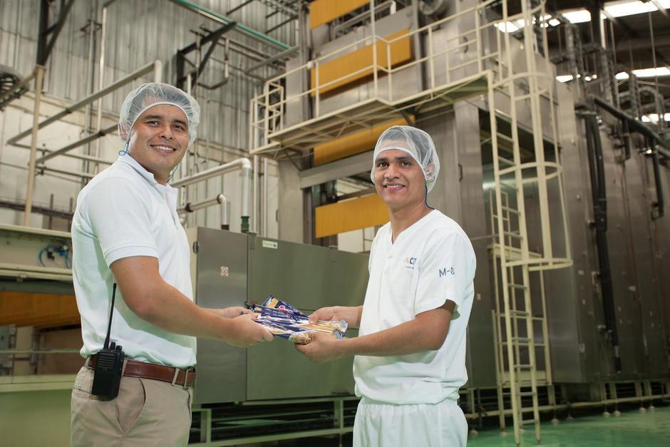 trabajadores de la planta en CMI